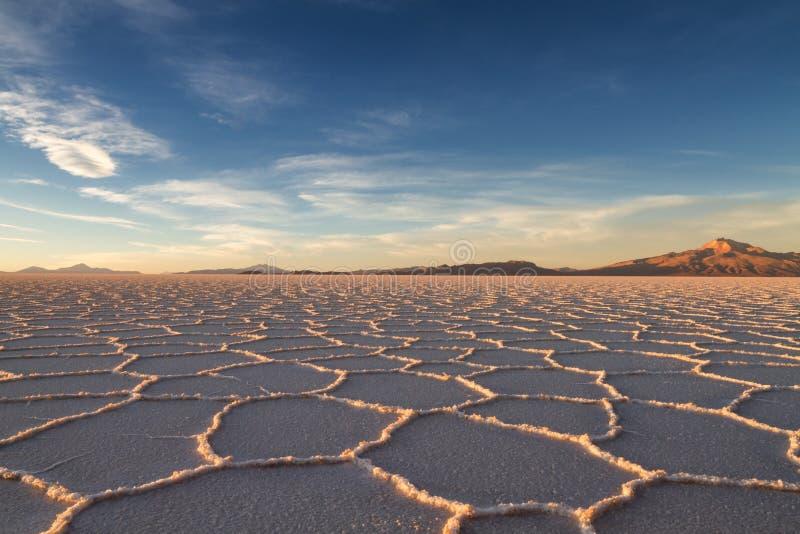 Salt Lake Salar de Uyuni no sol da tarde fotografia de stock