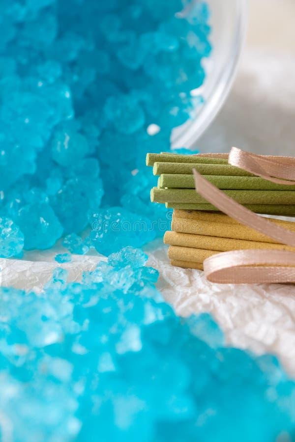 salt sticks för aromatisk badblue royaltyfri foto