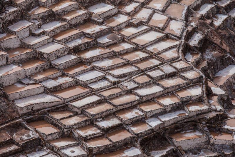 Salta miner på Maras, sakral dal, Peru arkivbilder