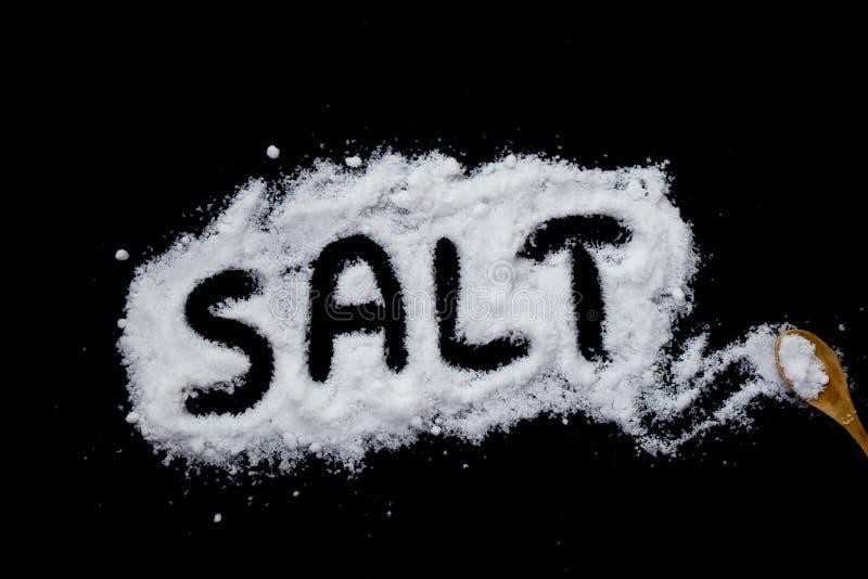 salta på en svart bakgrund arkivbild