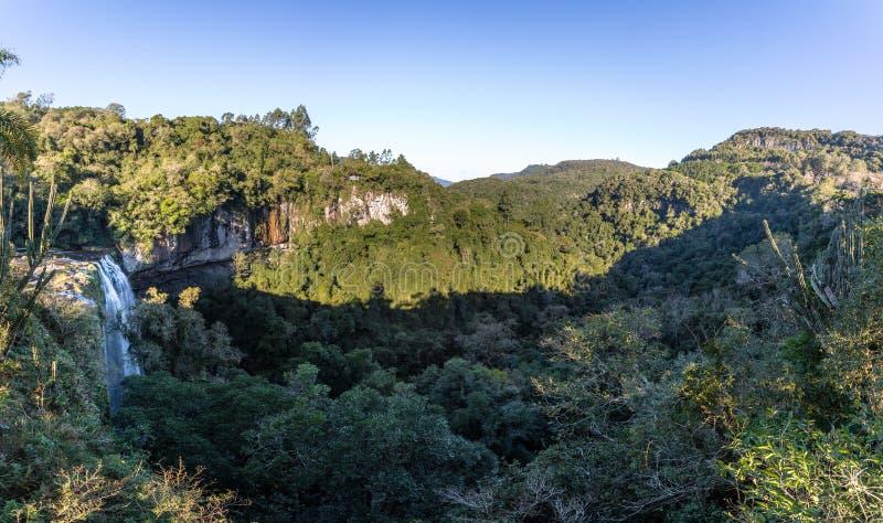 Salta Ventoso siklawa - Farroupilha, rio grande robi Sul, Brazylia zdjęcie royalty free