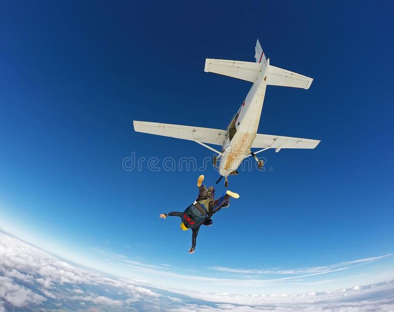 Saltando em queda livre o salto em tandem fotografia de stock royalty free