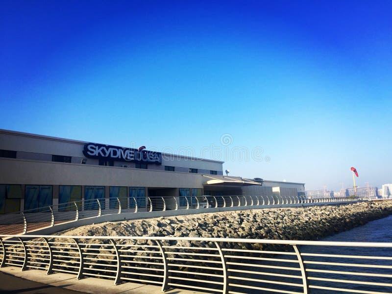 Saltar em queda livre Dubai fotografia de stock royalty free