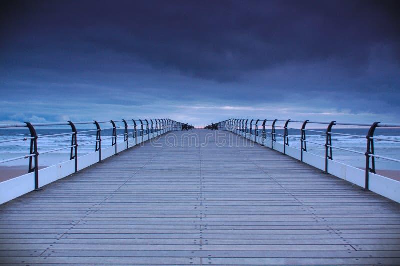 Saltburn码头在黎明 免版税库存照片