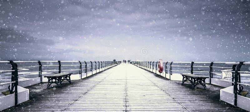 Saltburn Pier Snow Storm immagine stock
