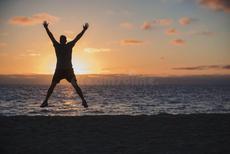Salti della stella sulla spiaggia fotografia stock libera da diritti
