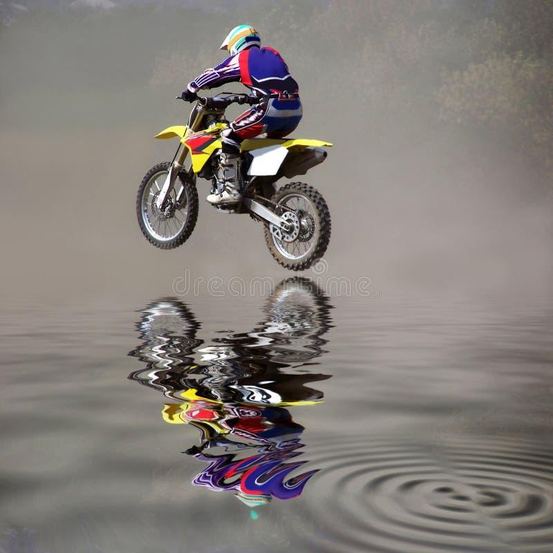 Salti su un motociclo fotografia stock