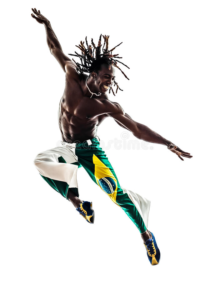 Salto brasiliano di dancing del ballerino dell'uomo di colore immagini stock