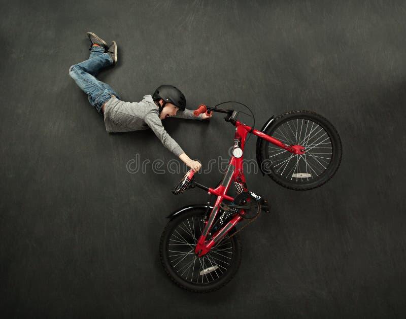 Salto da bicicleta imagens de stock