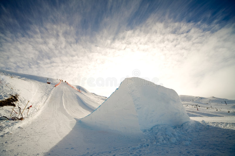 Salto de esqui foto de stock royalty free