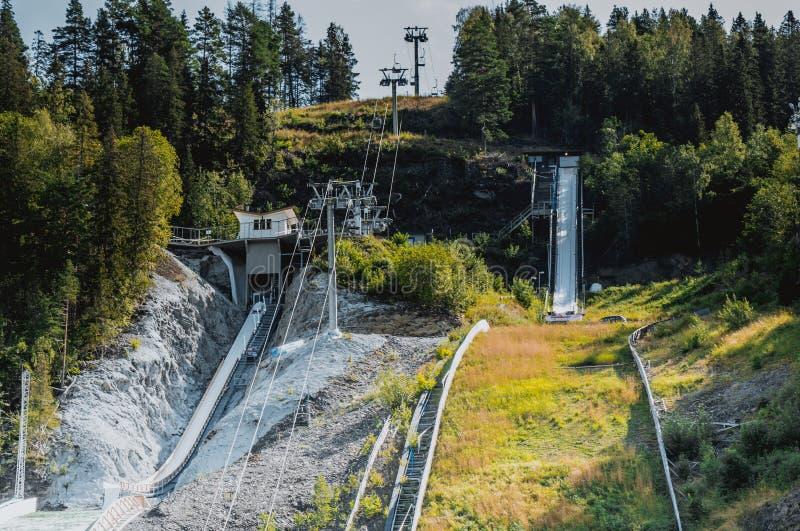 Salto de esqui em Vikersund, Noruega, Escandinávia foto de stock royalty free