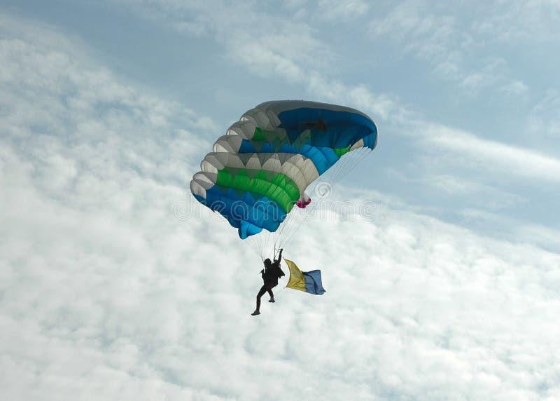 Salto de paraquedas - traseiro iluminado fotografia de stock royalty free