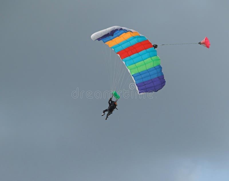 Download Salto del cielo imagen de archivo. Imagen de flotador, azul - 180963