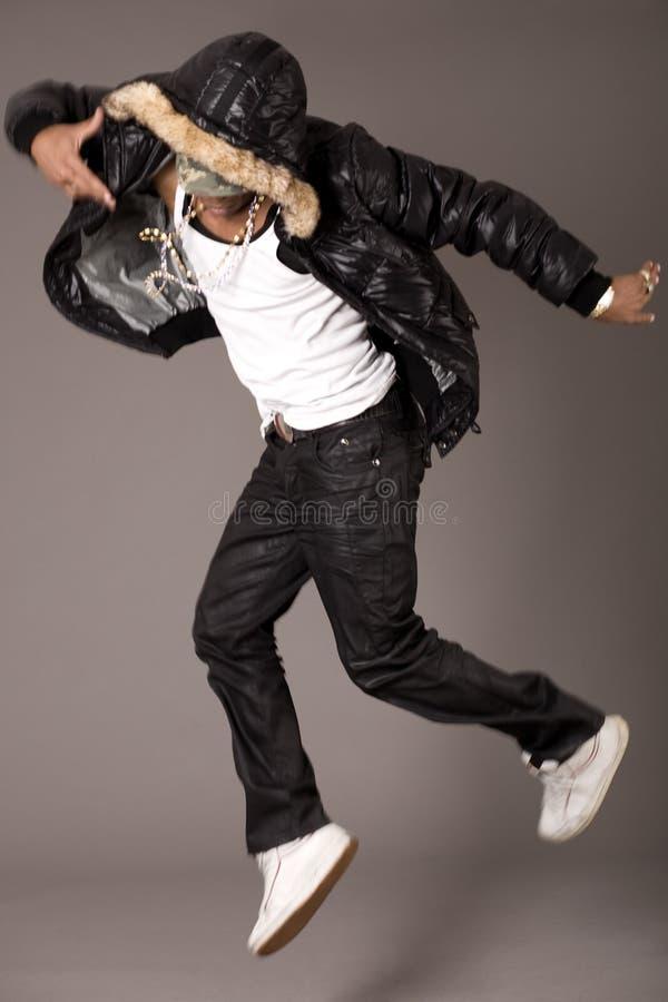 Salto del danzatore di schiocco dell'anca immagine stock libera da diritti