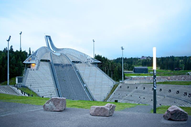 Salto di sci di Holmenkollen (Holmenkollbakken) fotografia stock libera da diritti