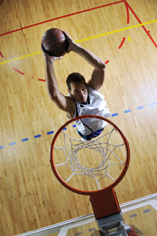 Salto do basquetebol fotografia de stock royalty free