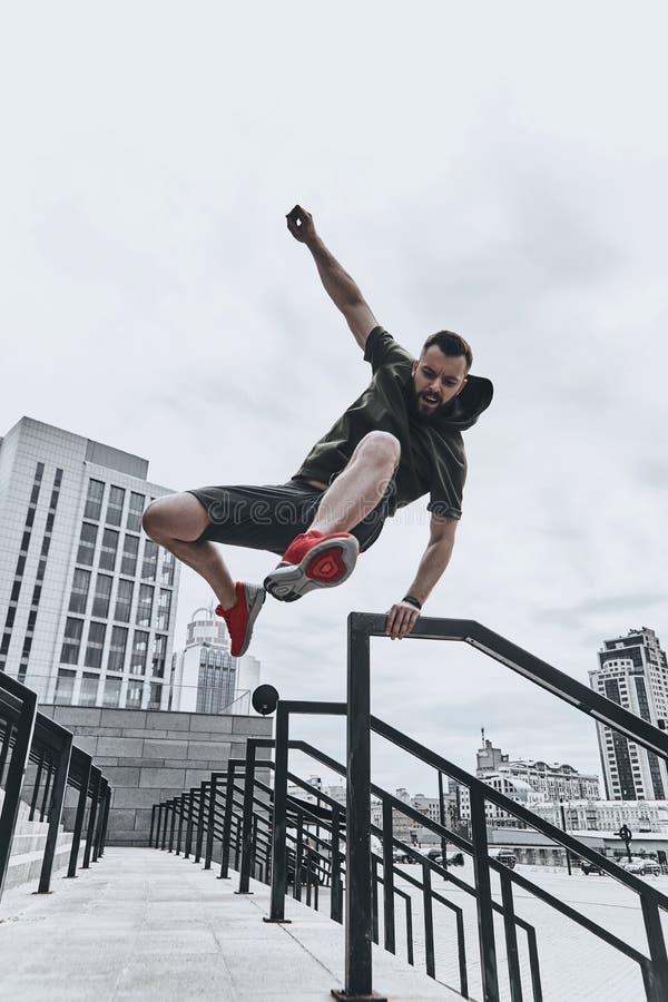 Salto em linha reta sobre alguns obstáculos fotografia de stock royalty free