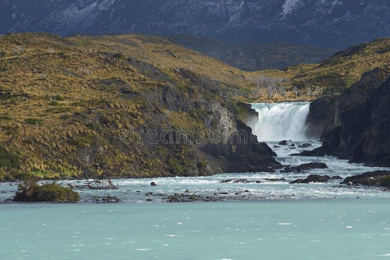 Salto grandioso, parque nacional de Torres del Paine, o Chile fotos de stock