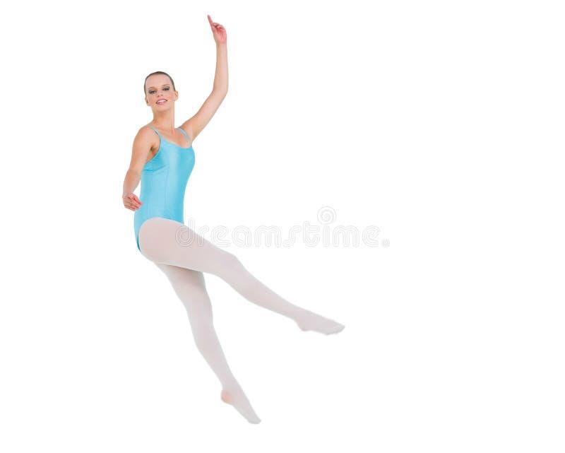Salto grazioso piacevole della ballerina fotografie stock libere da diritti