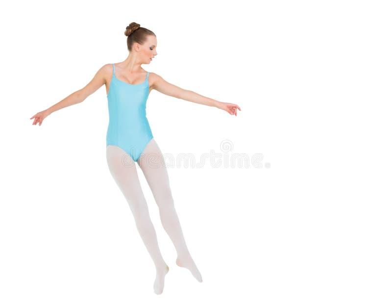 Salto grazioso serio della ballerina fotografia stock