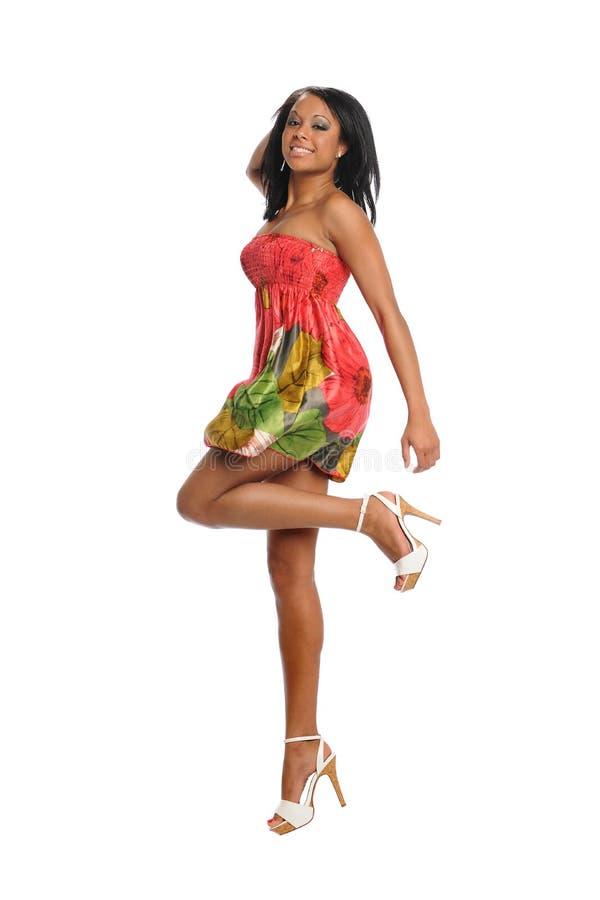 Salto novo da mulher preta imagens de stock royalty free