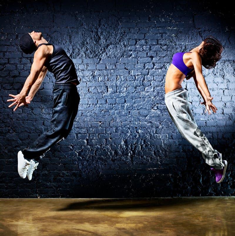 Salto novo dos pares do dançarino foto de stock royalty free