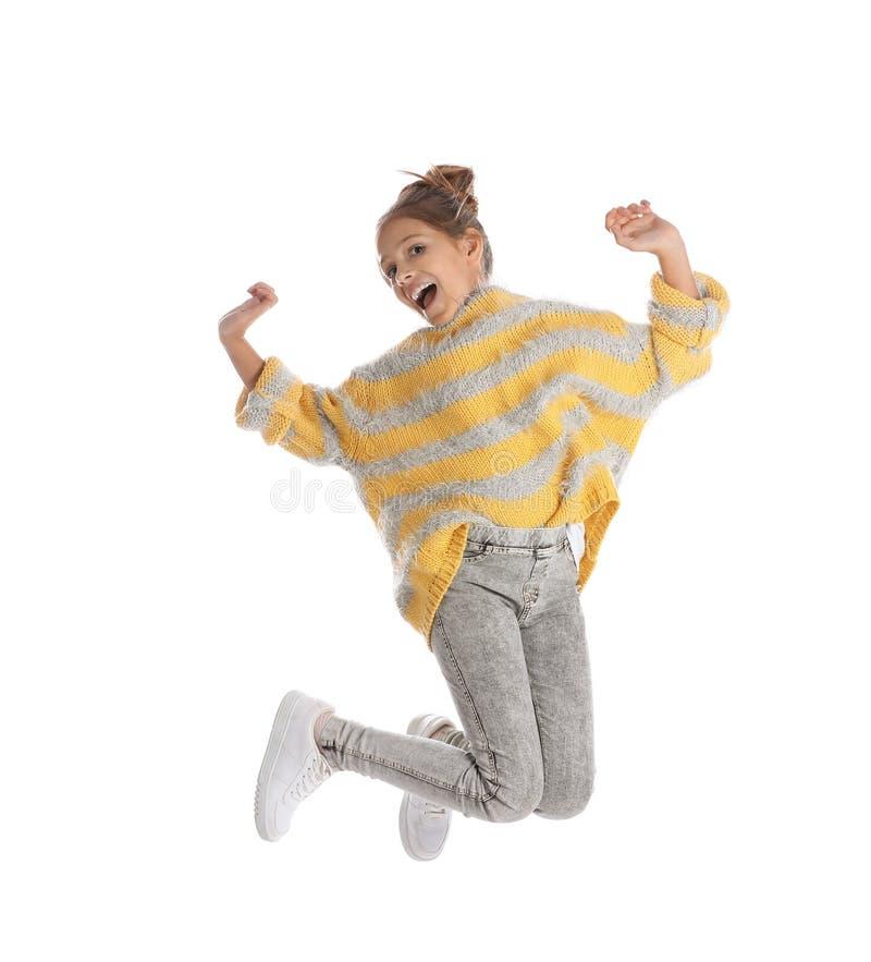 Salto preteen emocional bonito da menina foto de stock