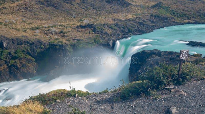 Salto Torres del Paine foto de stock