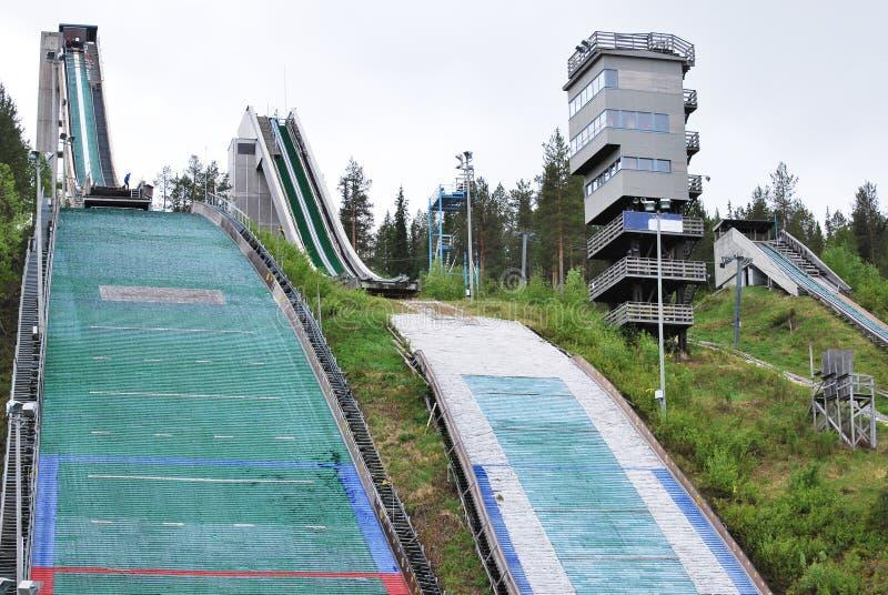 Saltos de esquí en Rovaniemi Finlandia foto de archivo