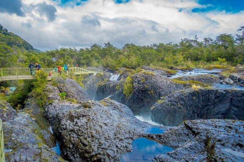 Saltos de Petrohue 在智利的南部的瀑布,形成由火山的行动 免版税库存图片