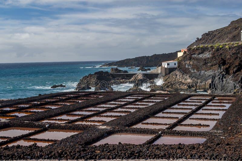 Saltpans e farol Fuencaliente, La Palma, Ilhas Canárias foto de stock
