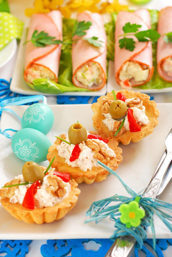 Salty Mini Tartlets Stuffed With Walnut Cheese And Olives Royalty Free Stock Photo