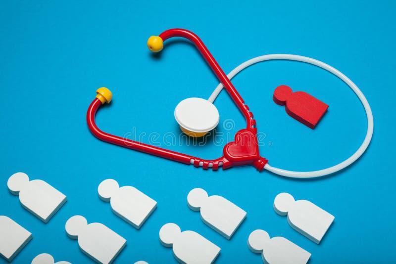 Salud, cardiología y estetoscopio del corazón del bebé Seguridad, enfermedad imágenes de archivo libres de regalías