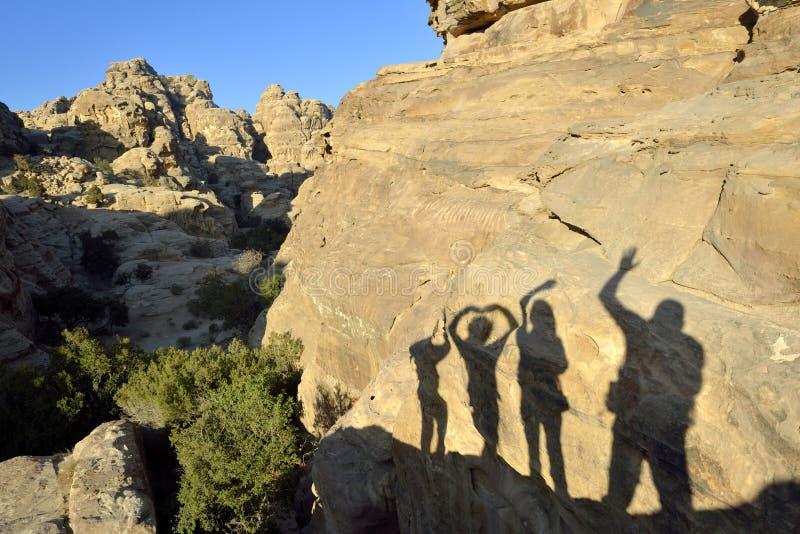 Saludo de la sombra en poco Petra. fotografía de archivo libre de regalías