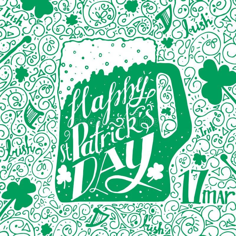 Saludo del día del St Patricks Día del St Patricks de las letras Ilustración del vector Taza de cerveza, trébol foto de archivo libre de regalías