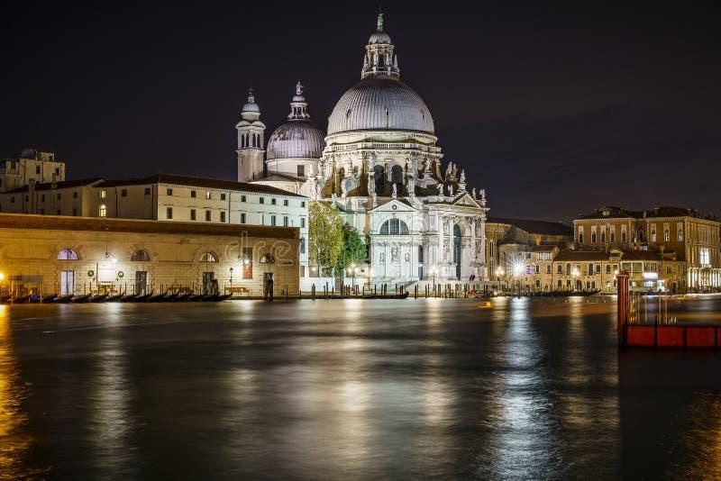 Saludo del della de Santa María de los di de la basílica en la noche en Venecia 2 foto de archivo libre de regalías