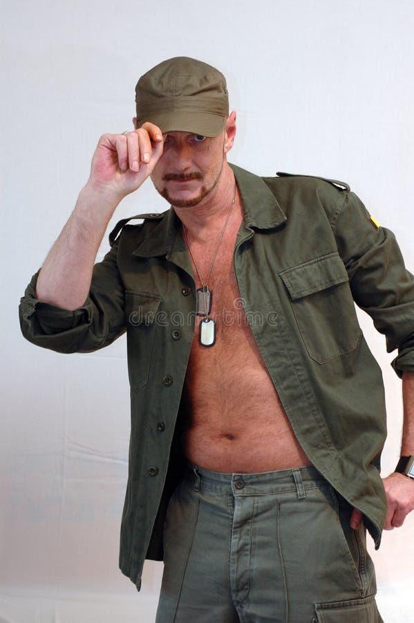 Download Salut wojskowy zdjęcie stock. Obraz złożonej z nude, poza - 137278