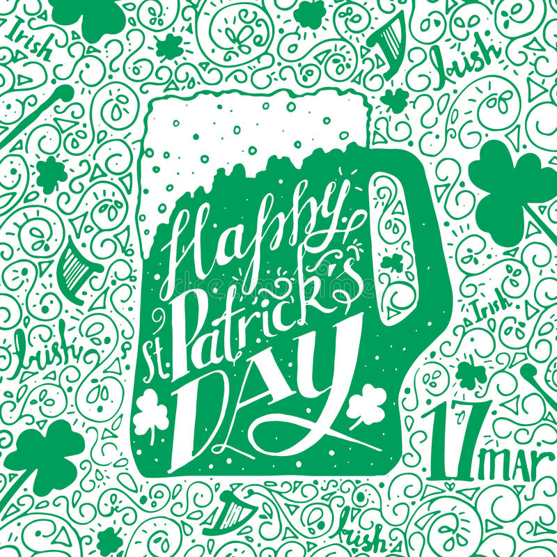 Salutation de jour de St Patricks Jour de St Patricks de lettrage Illustration de vecteur Tasse de bière, oxalide petite oseille photo libre de droits