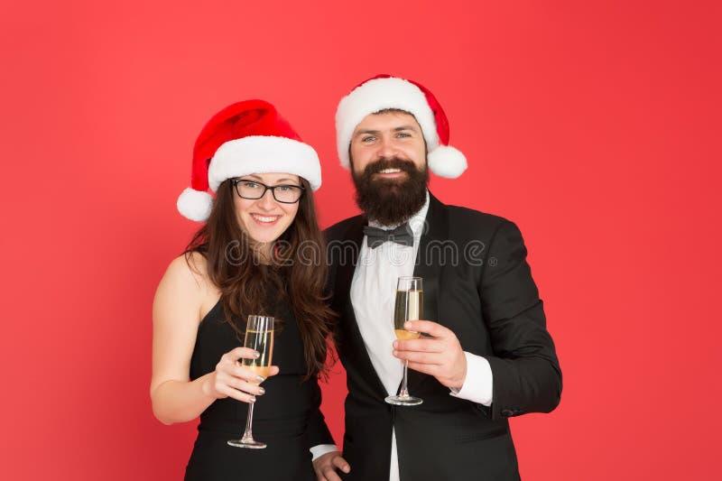 Saluti sinceri Buon Natale Parte di ufficio Coppia di società Buon anno nuovo Uomo d'affari barbuto in immagini stock libere da diritti