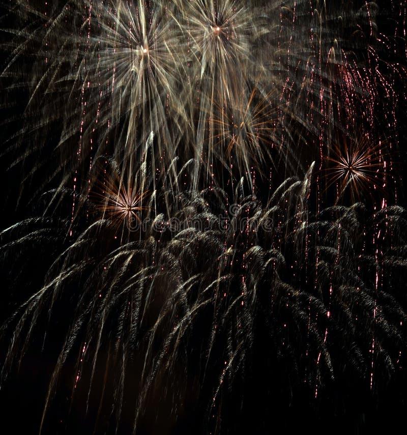 Saluto festivo di notte su fondo nero fotografie stock