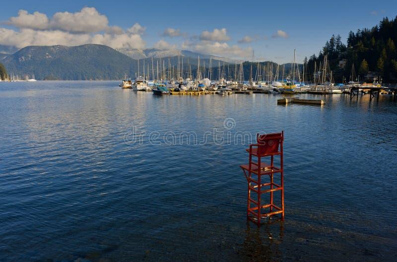 Salva-vidas vermelha Chair imagem de stock royalty free