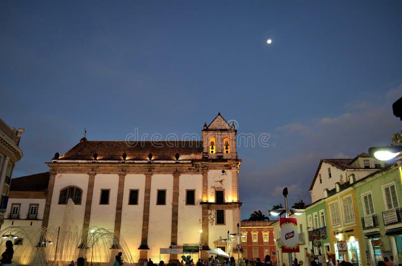 Salvador, Bahia Brazylia, Grudzień, - 22, 2015: Praça da Sé i podkreślać Katedralną bazylikę zdjęcia stock