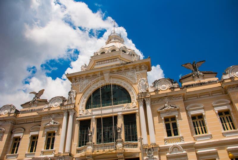 SALVADOR, BRASIL: Rio Branco Constru??o cl?ssica no Sao superior Salvador da Bahia da cidade imagens de stock royalty free