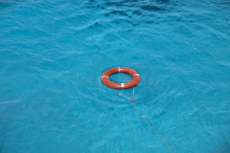 Salvagente sul bello mare immagine stock