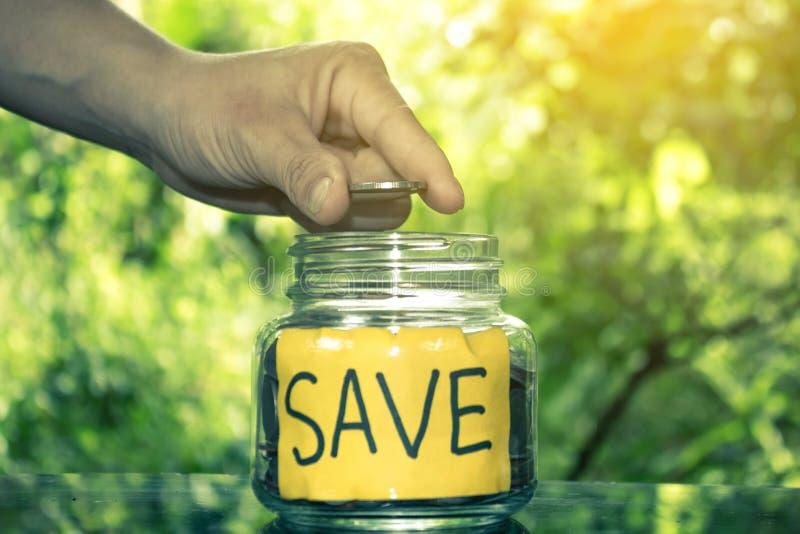 Salvar o conceito do dinheiro salvar o dinheiro imagem de stock