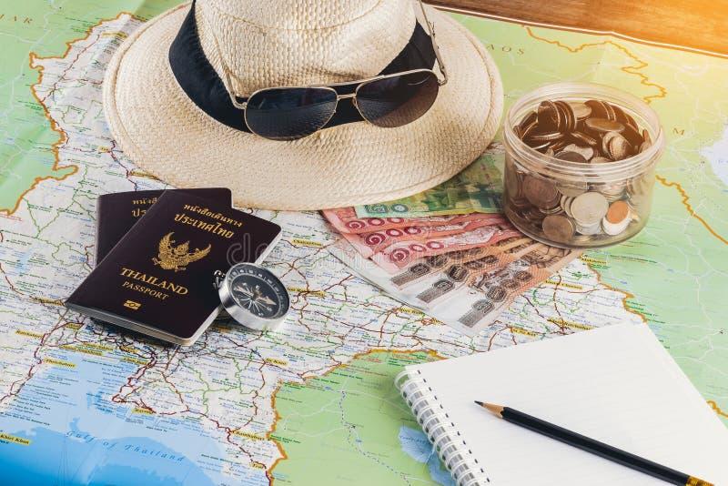 Salvar o dinheiro para a viagem do curso Acessórios do curso para o curso tr imagem de stock royalty free