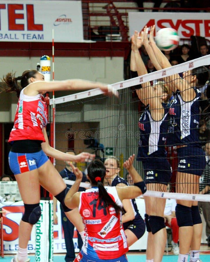 Salvo - de gelijke van het Volleyball, actie royalty-vrije stock foto's