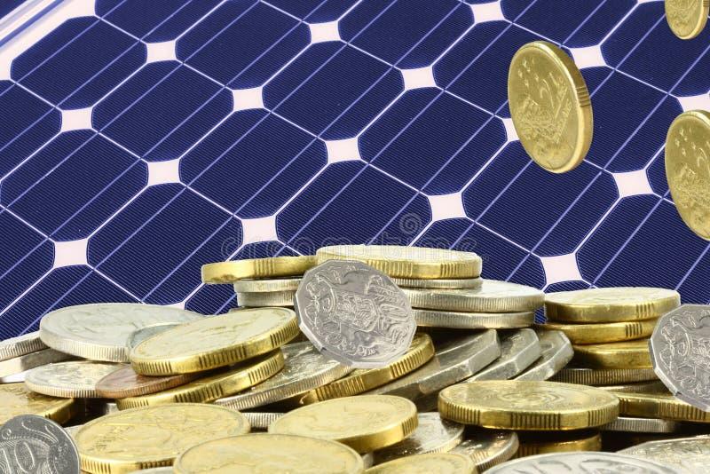 Salvo i mucchi di soldi su solare immagini stock libere da diritti
