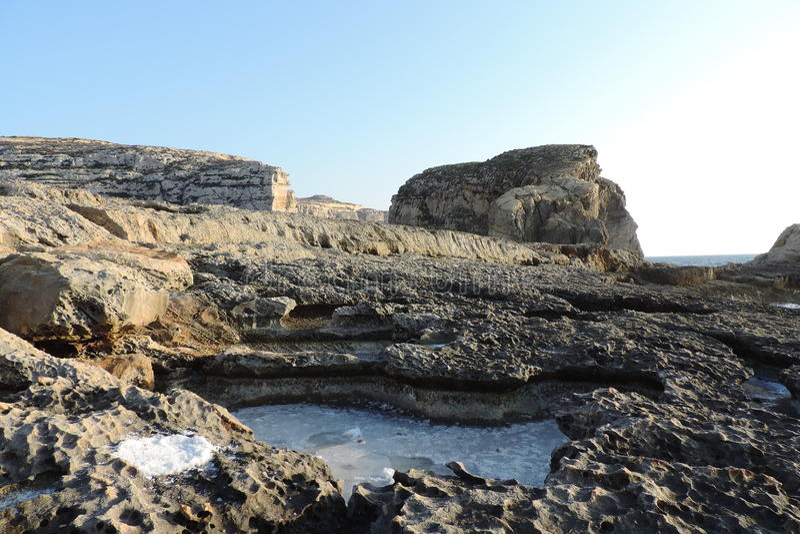 Salz in einem Felsen ganz, Gozo, Malta stockbild