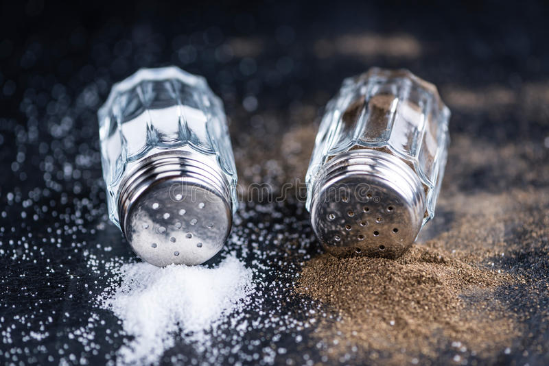 Salz- und Pfefferrüttler lizenzfreie stockfotos